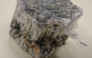 morceau-d-amiante